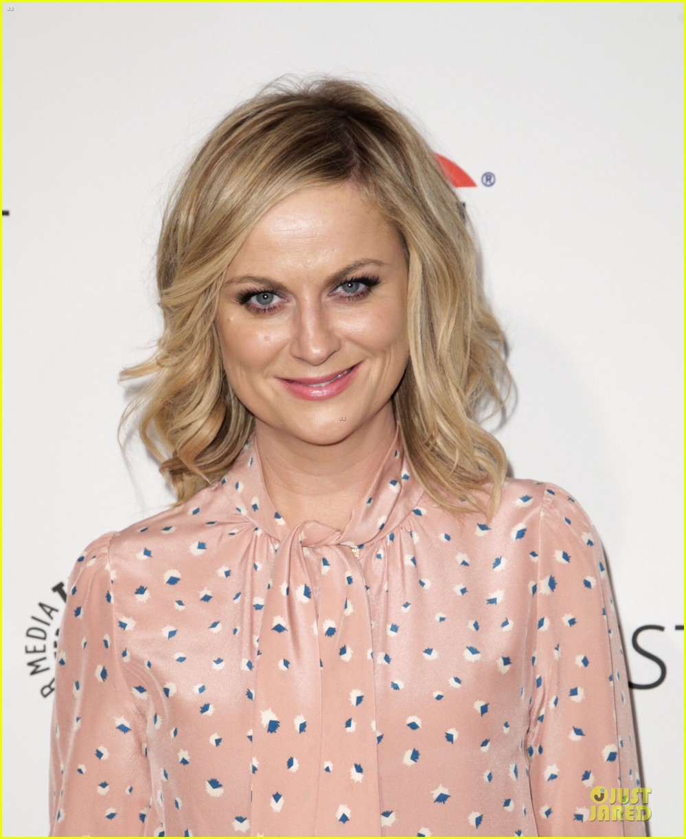 amy poehler aubrey plaza promote parks recreation 083074403