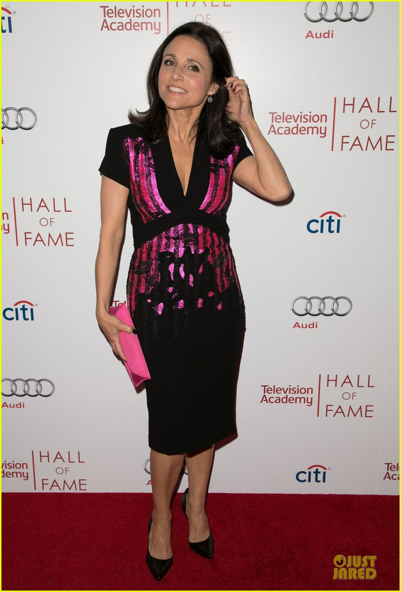 amy poehler julia louis dreyfus doll up for hall of fame gala 08