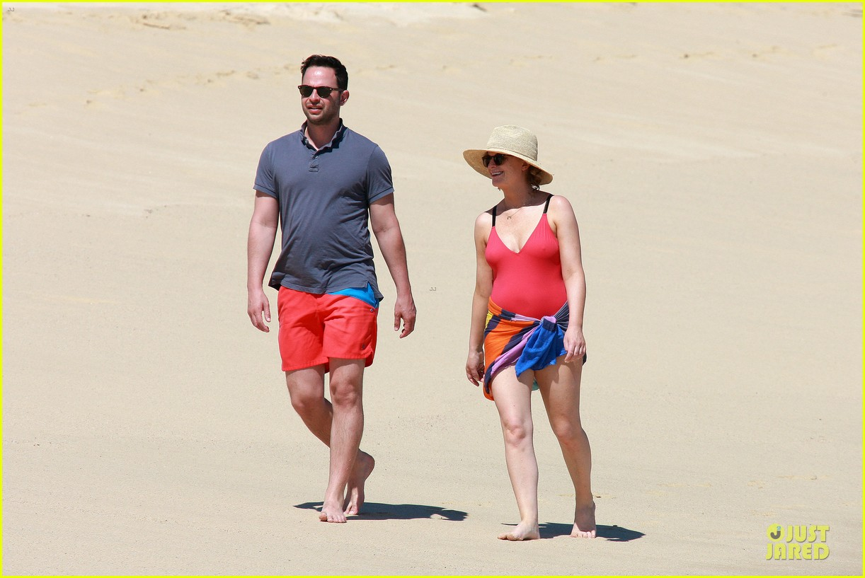 poehler kroll red hot cabo vacation 18