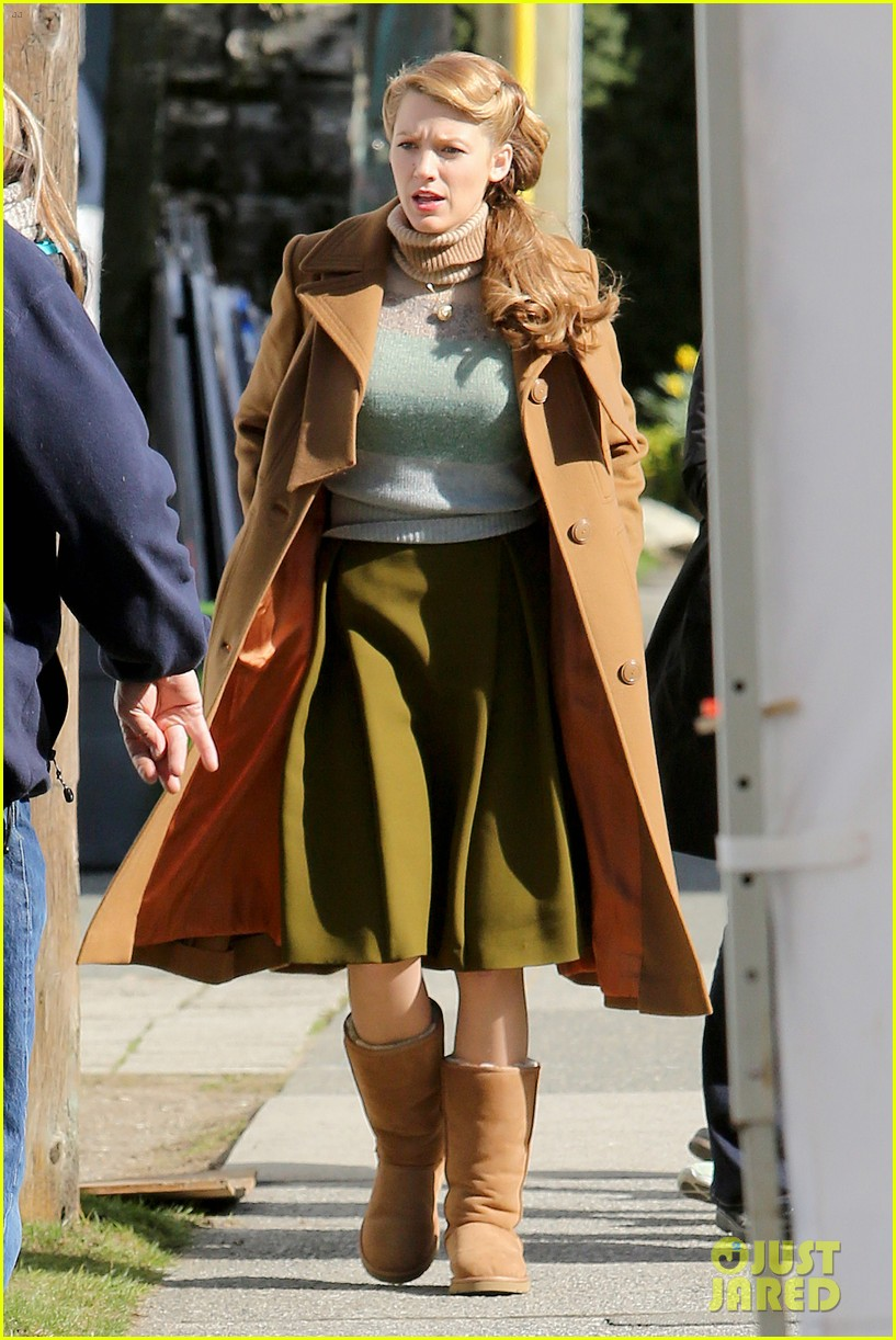 ryan reynolds visits wife blake lively age of adaline 18
