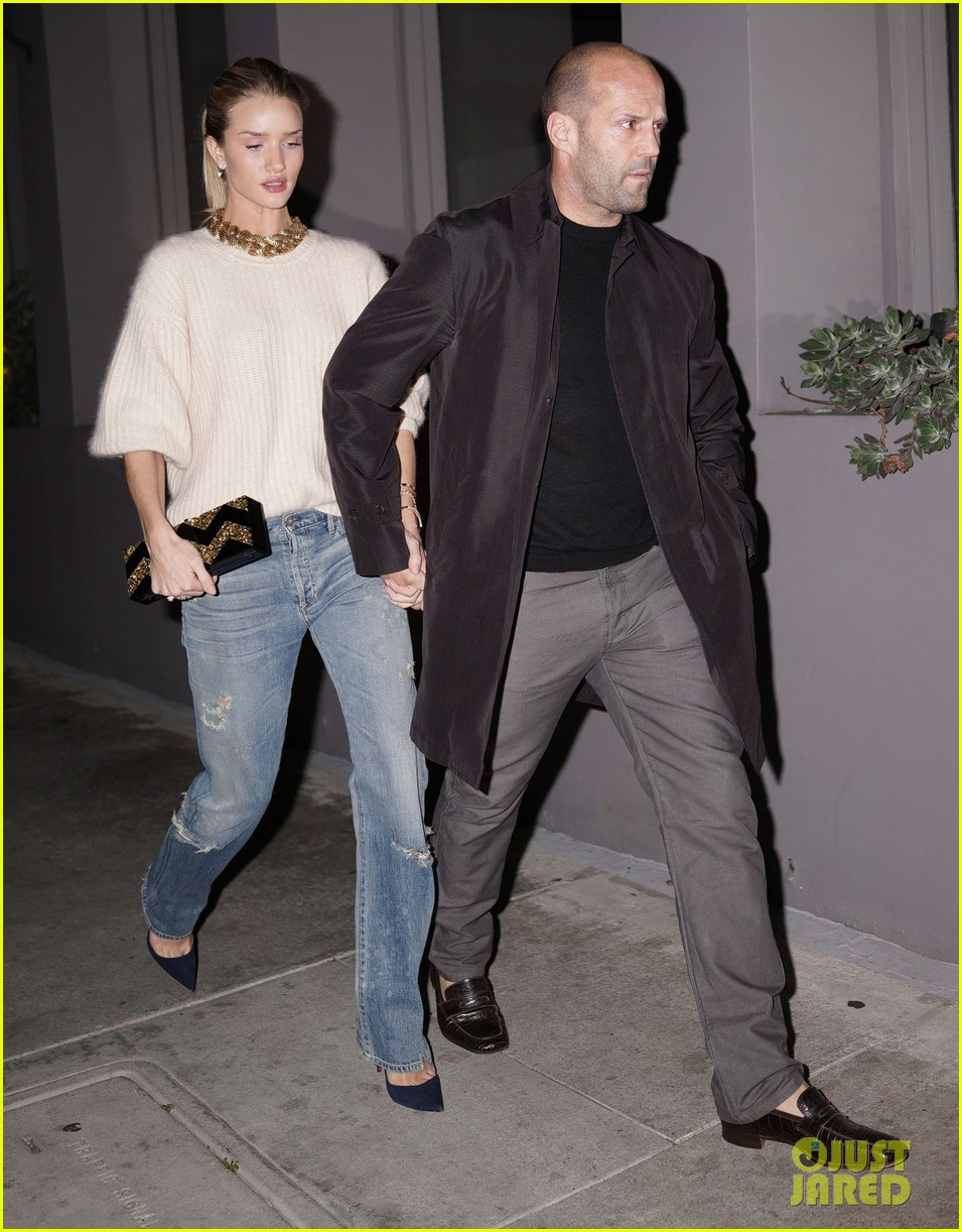 rosie huntington whiteley jason statham hold hands en route to dinner 043066605