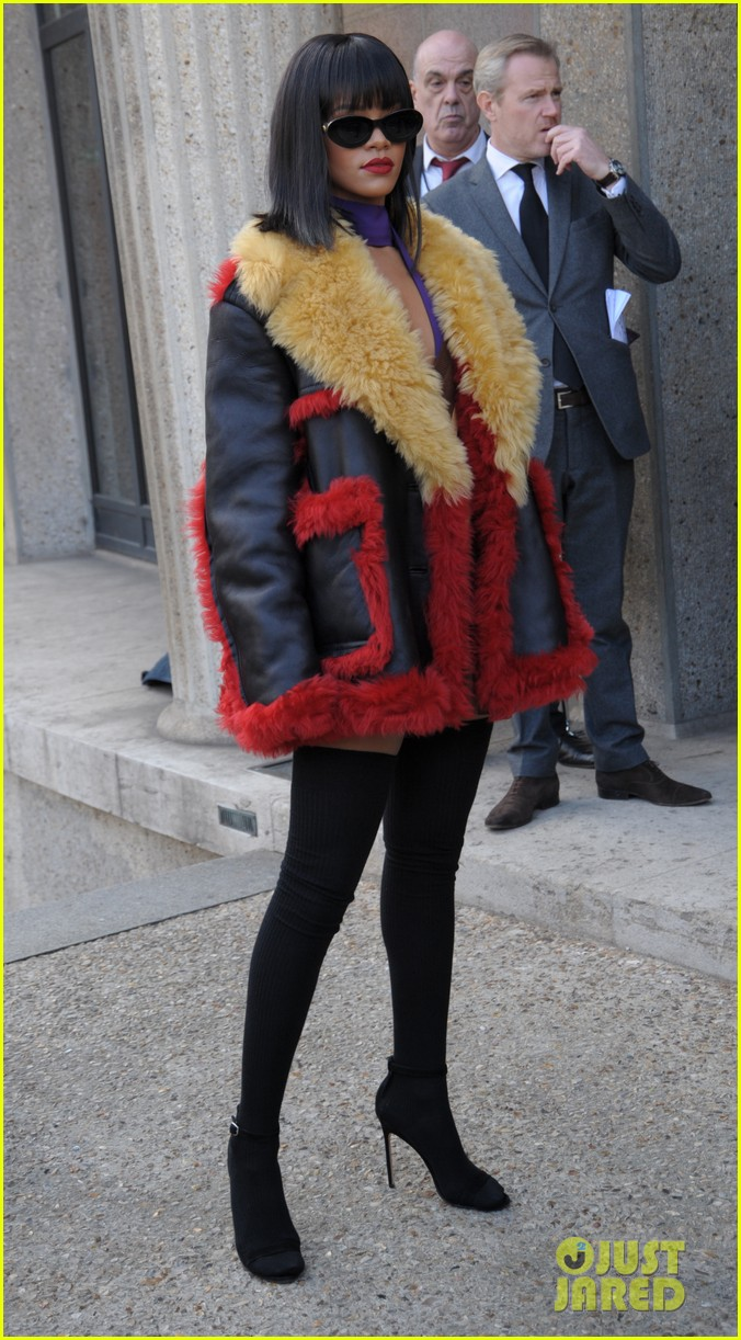rihanna brings her star power to miu miu fashion show 06