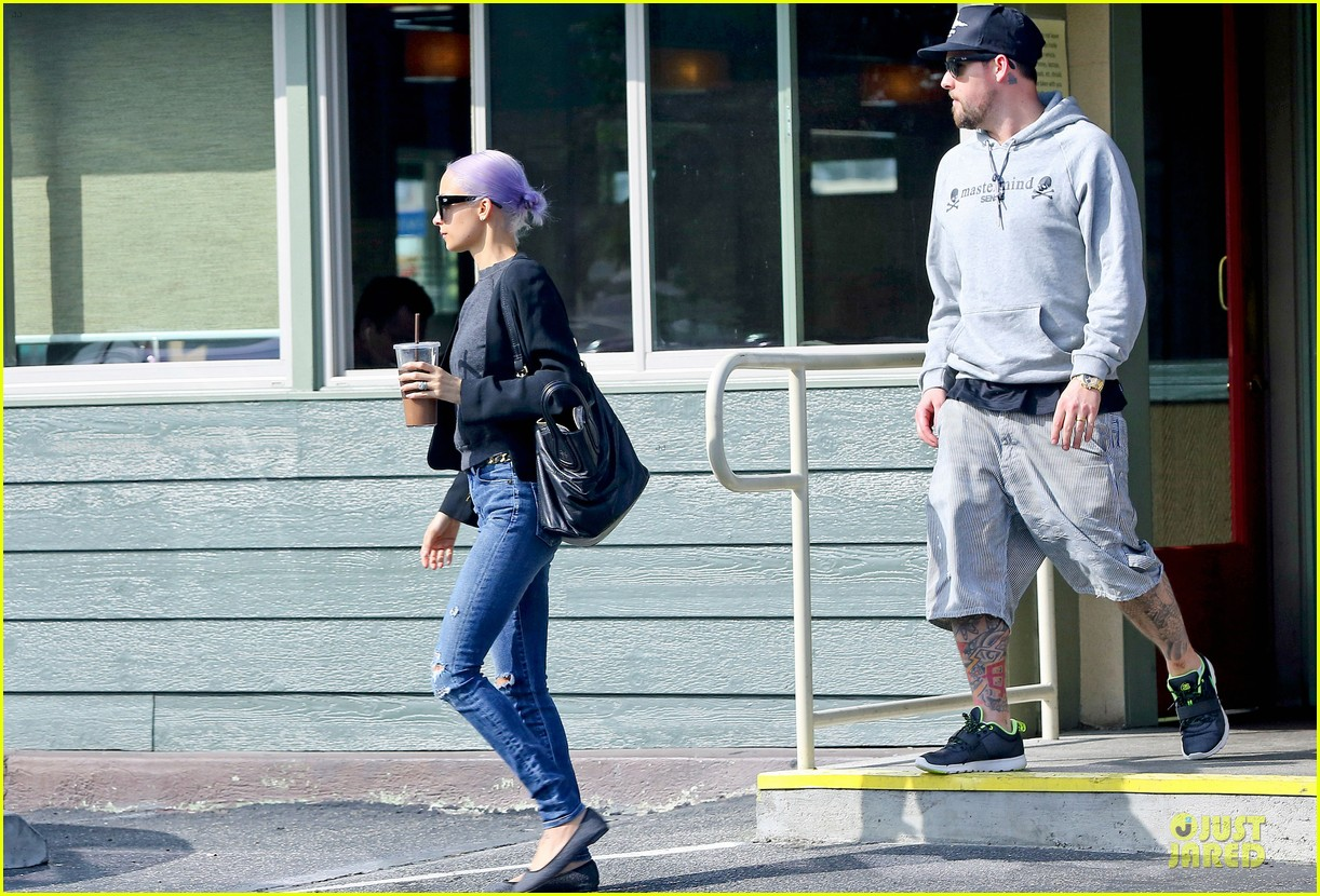 nicole richie proudly rocks new purple hair 083068120
