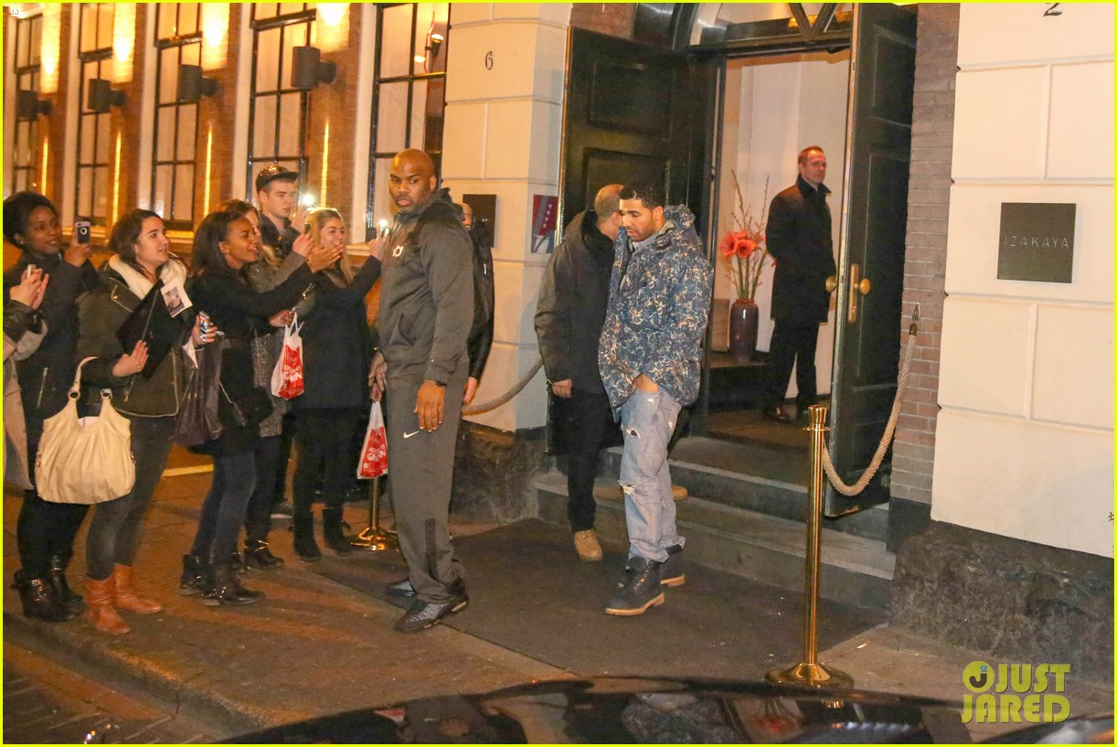 rihanna drake spotted on dinner date in amsterdam 18