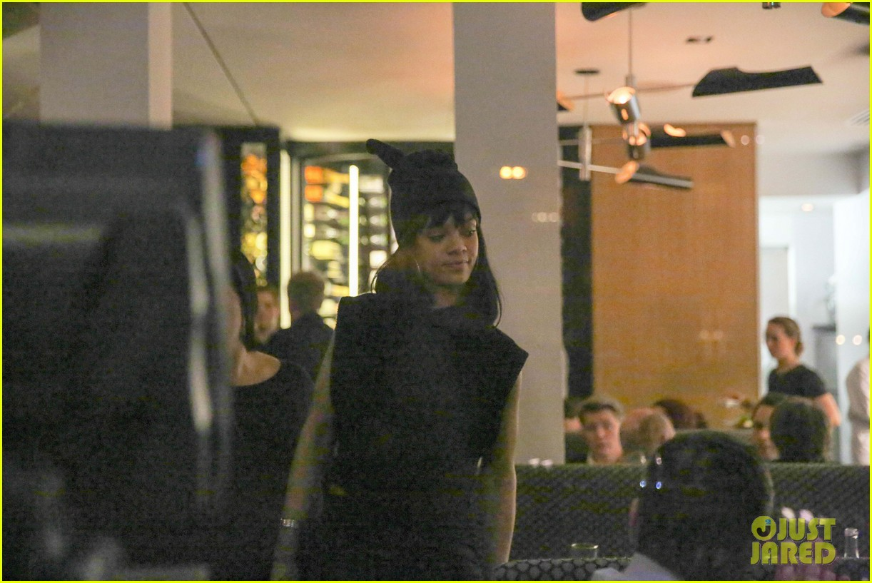 rihanna drake spotted on dinner date in amsterdam 243067654