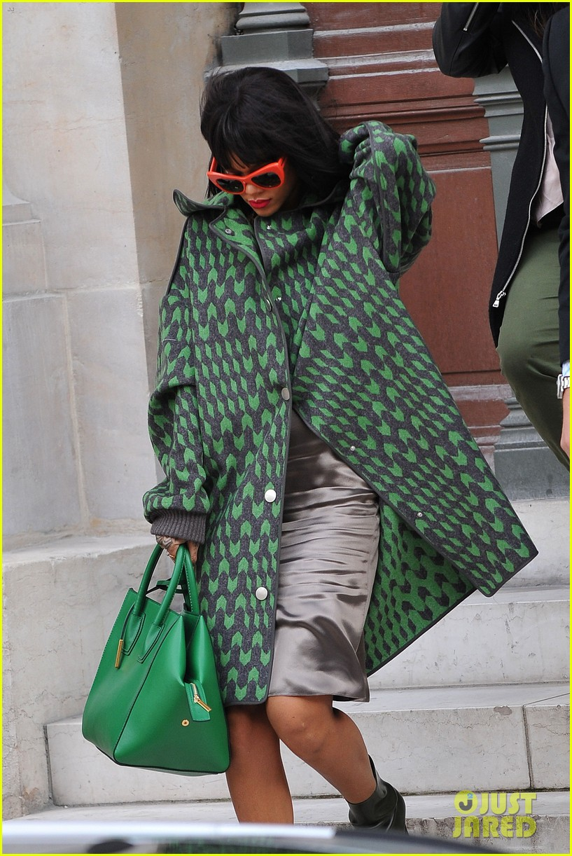 rihanna continues fashion week fun in paris 12