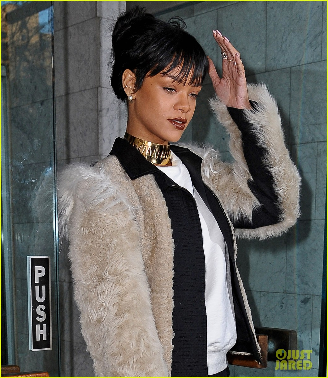 rihanna steps out in style to visit the dentist 05
