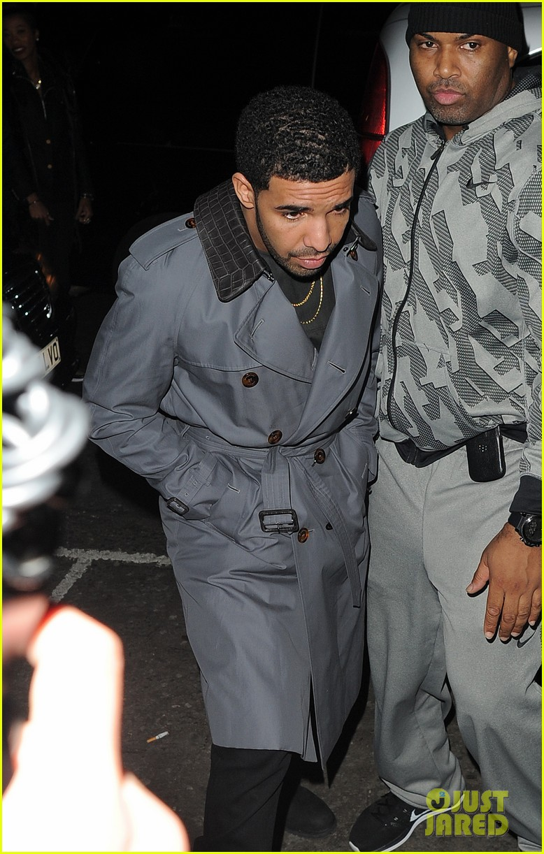 rihanna drake separate entrances dinner london 05