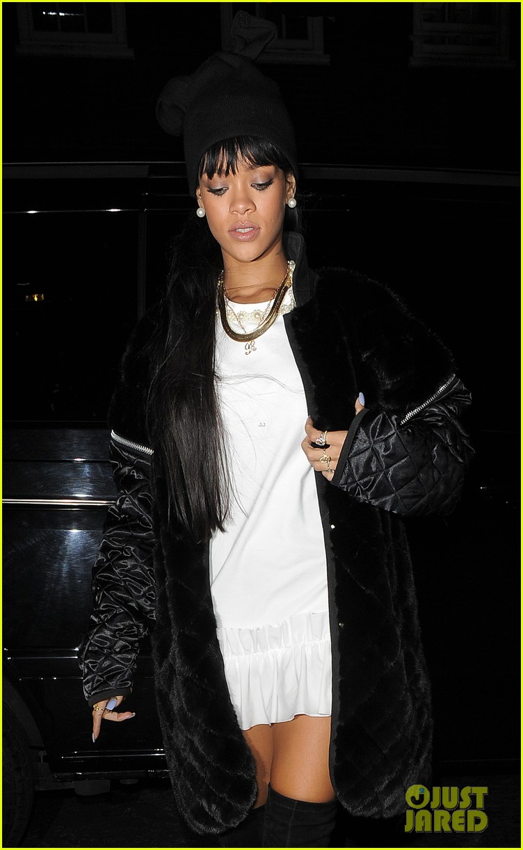 rihanna drake separate entrances dinner london 063079946