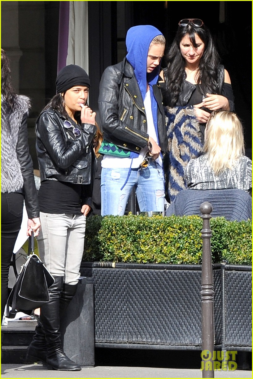 michelle rodriguez joins cara delevingne for paris fashion week fun 09