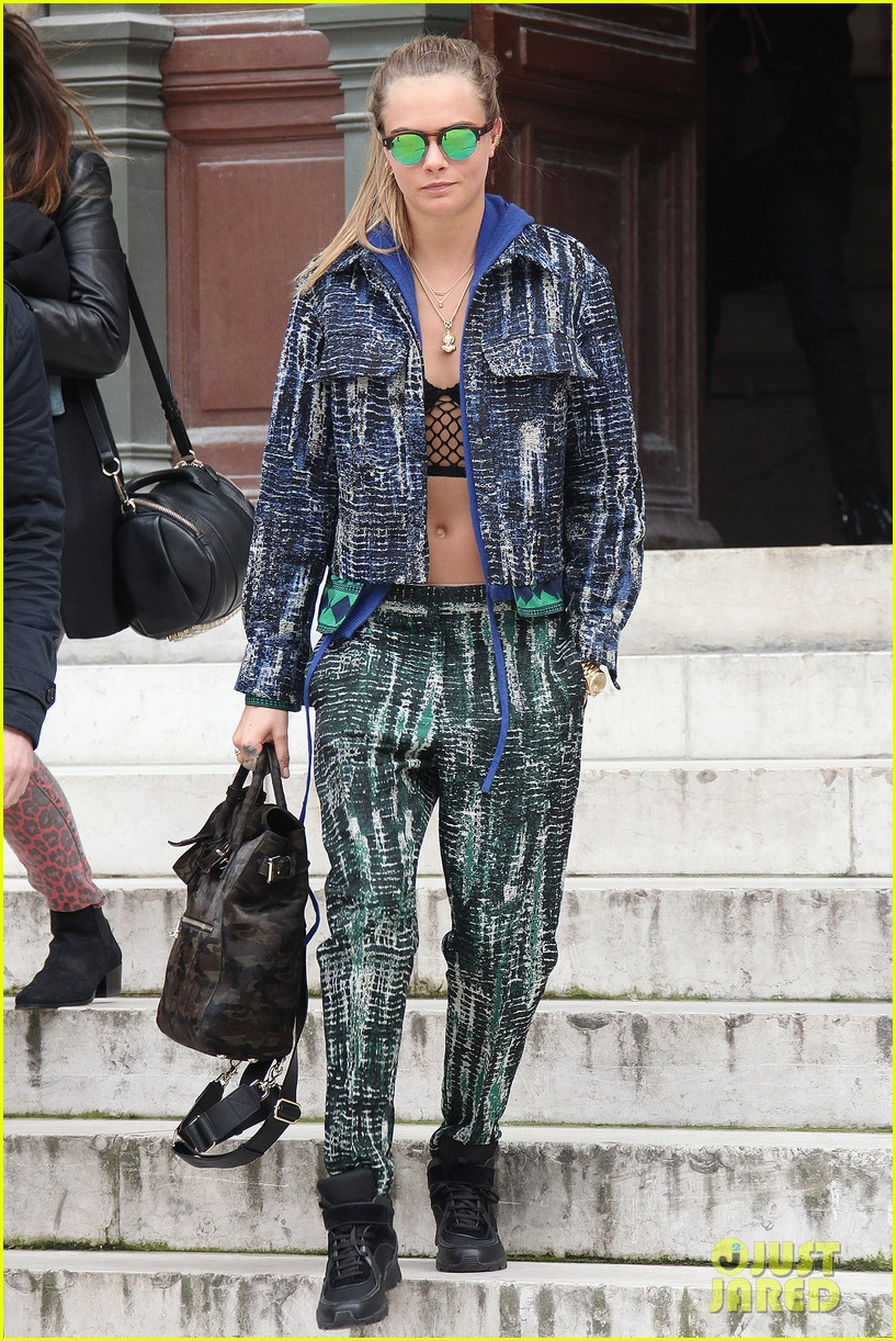 michelle rodriguez joins cara delevingne for paris fashion week fun 30