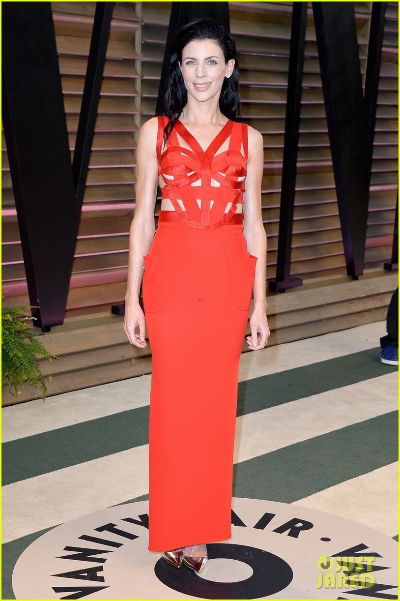 liberty ross vanity fair oscars party with boyfriend jimmy iovine 08
