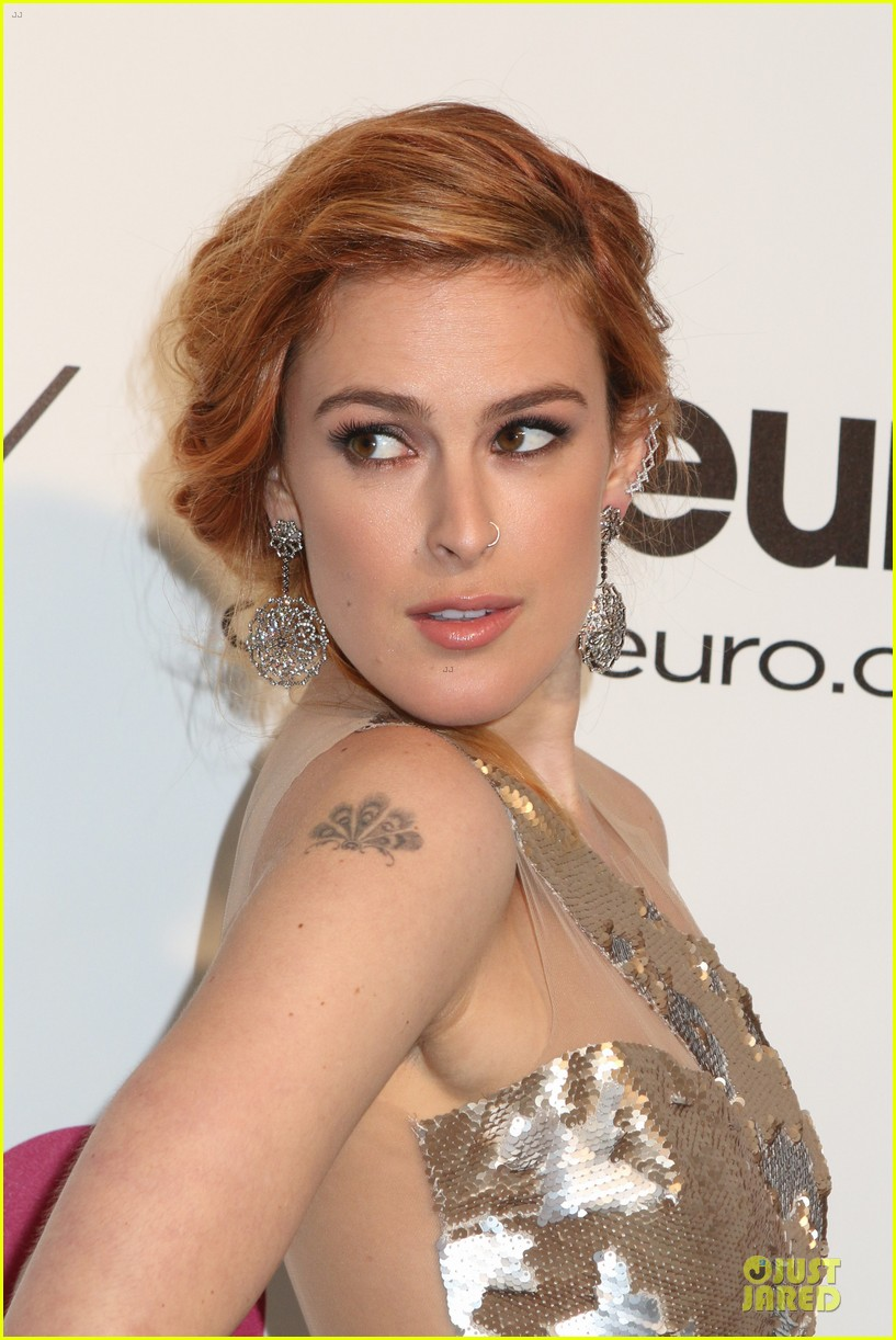 rumer willis stuns in metallic dress at elton john oscars party 2014 12
