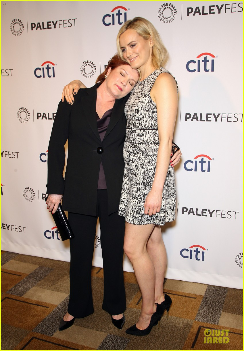 taylor schilling laura prepon orange is the new black paleyfest 253072407