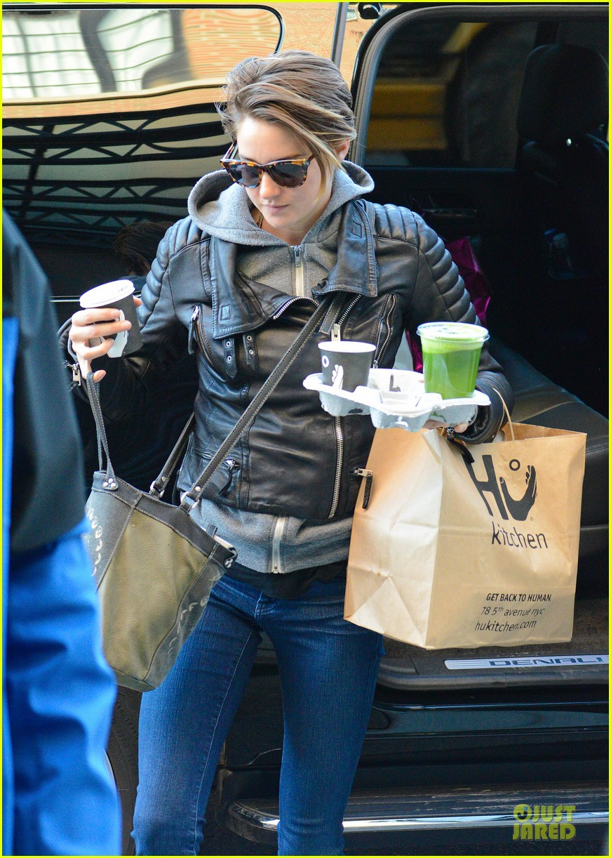shailene woodley hang loose with tongue 11