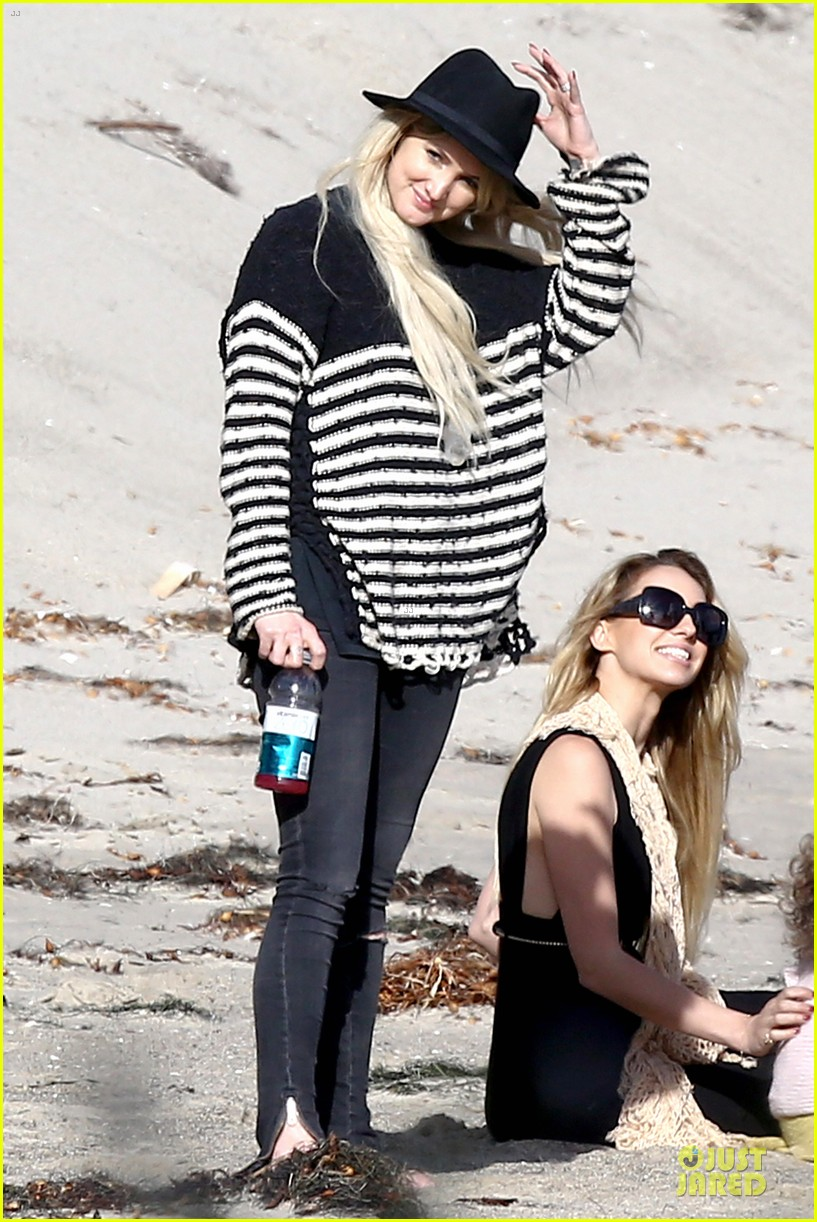 ashlee simpson evan ross beach with diana ross 09
