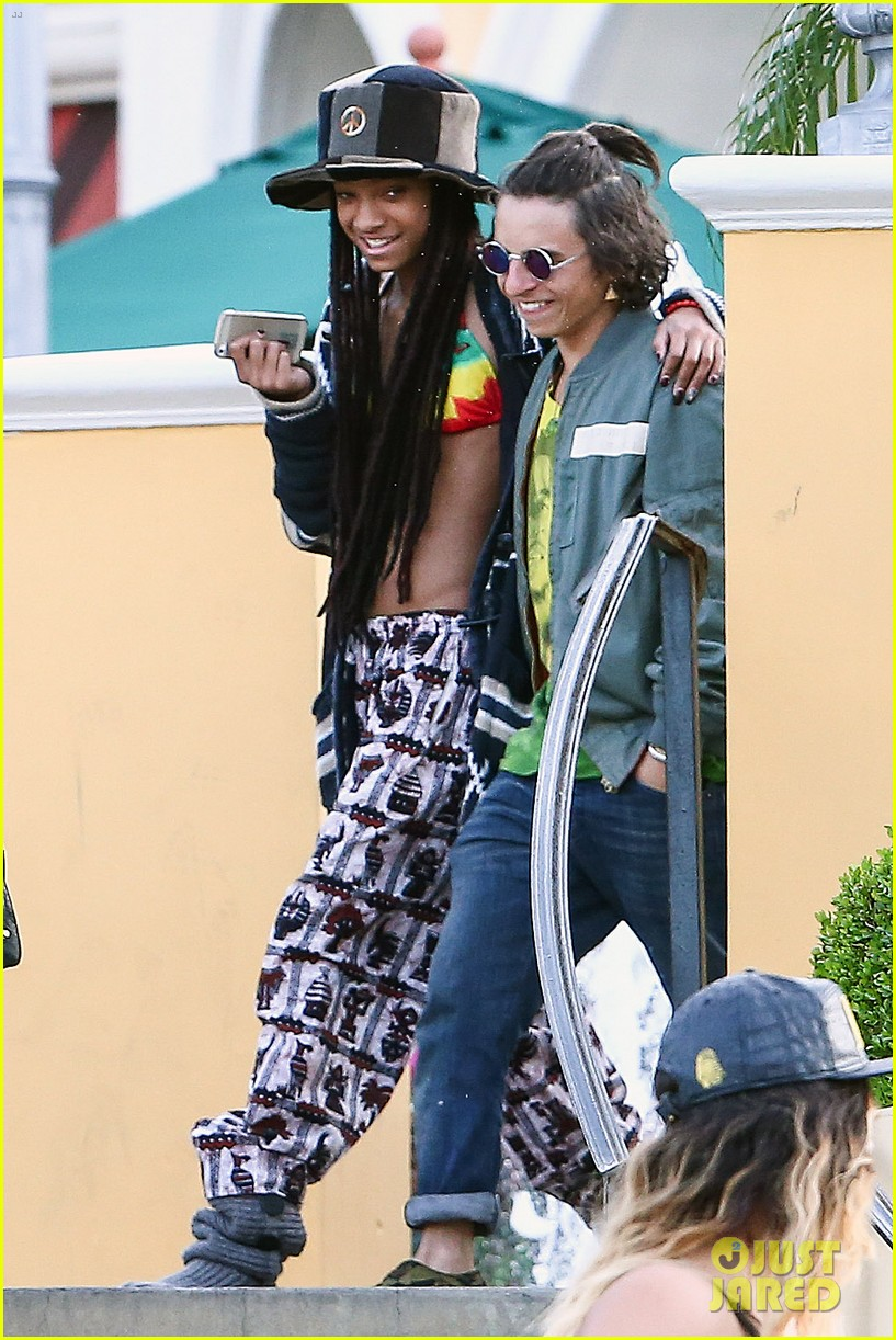 willow smith wears bikini top for sushi dinner 033069265