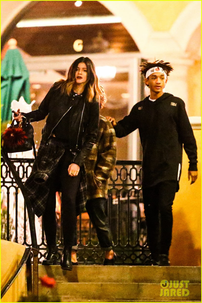 jaden smith has a staring contest with kourtney kardashians daughter penelope 05