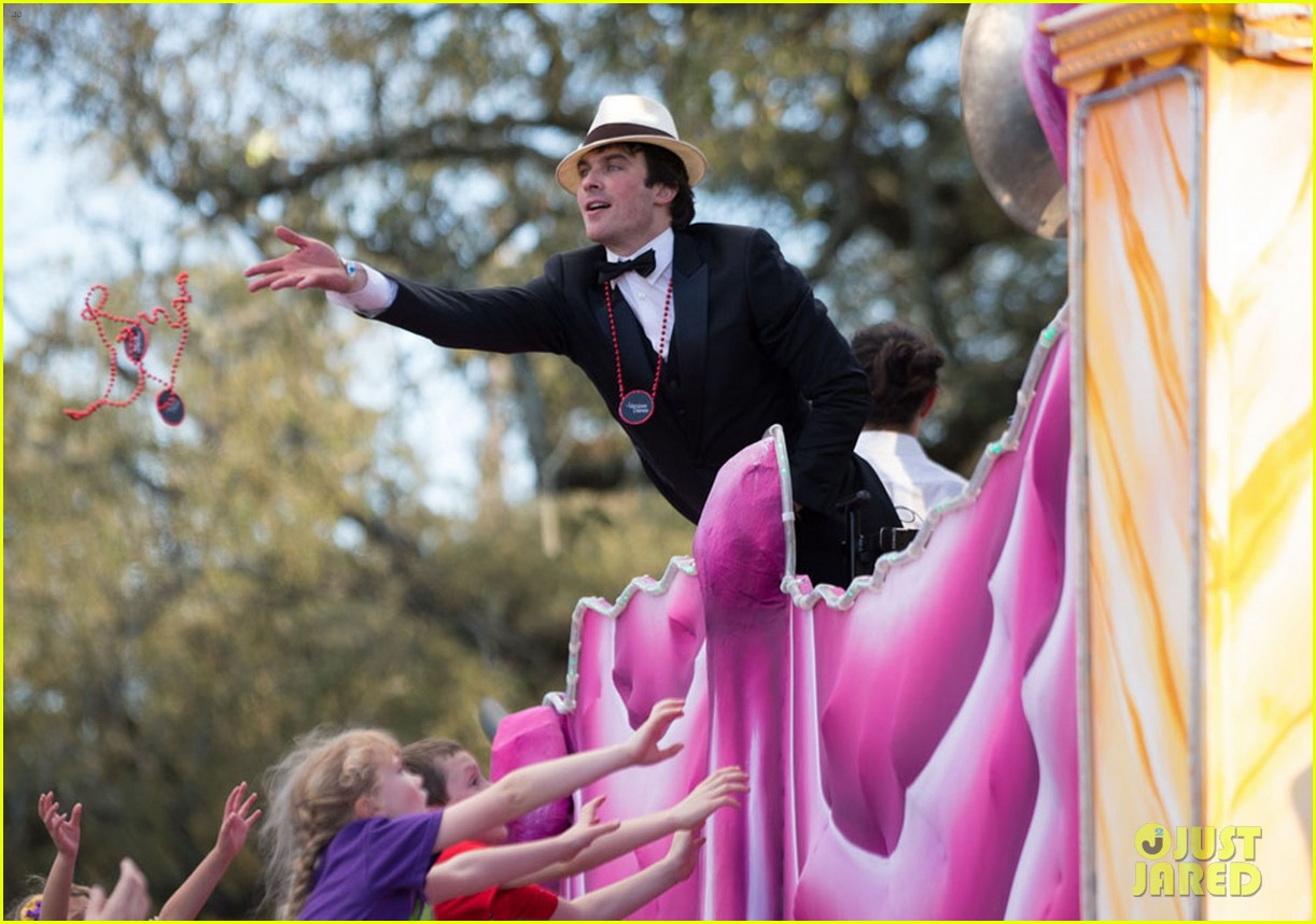 ian somerhalder norman reedus throw mardi gras beads in new orleans 18