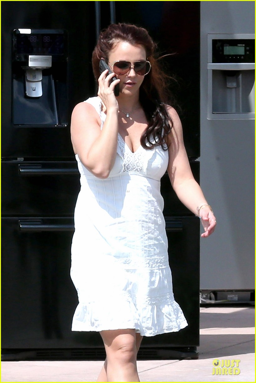 britney spears white after jamie lynn wedding 133076146