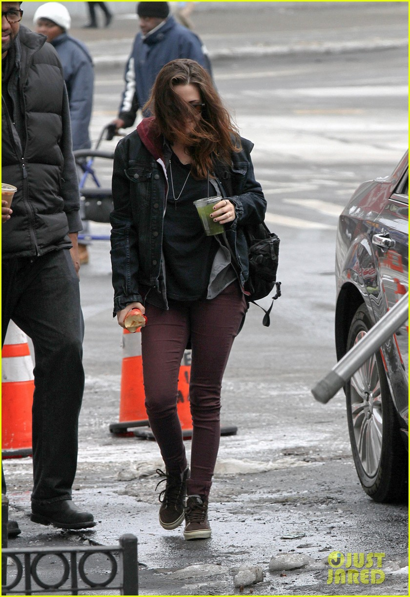 kristen stewart spotted on still alice set in new york city 103064892