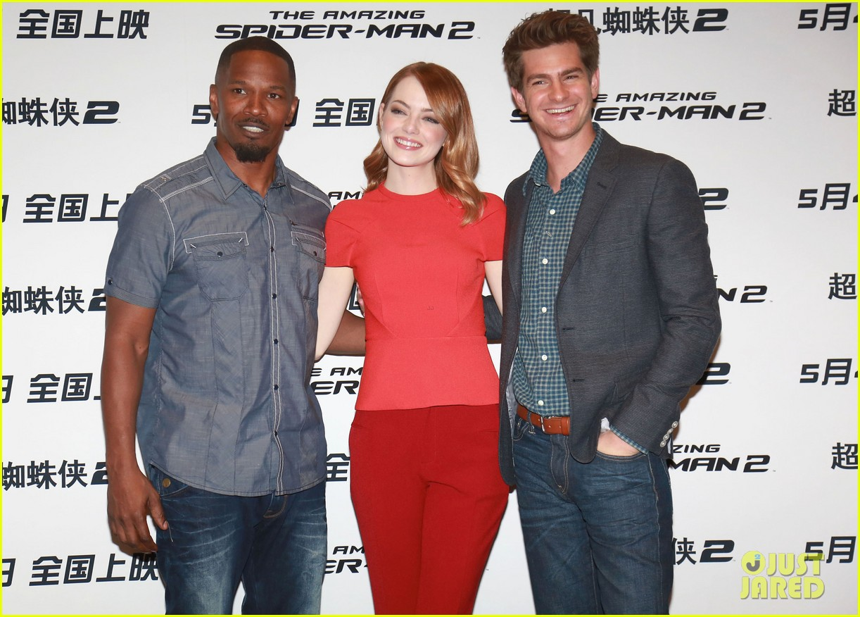 emma stone andrew garfield jamie foxx super trio amazing spider man 2 press conference 11