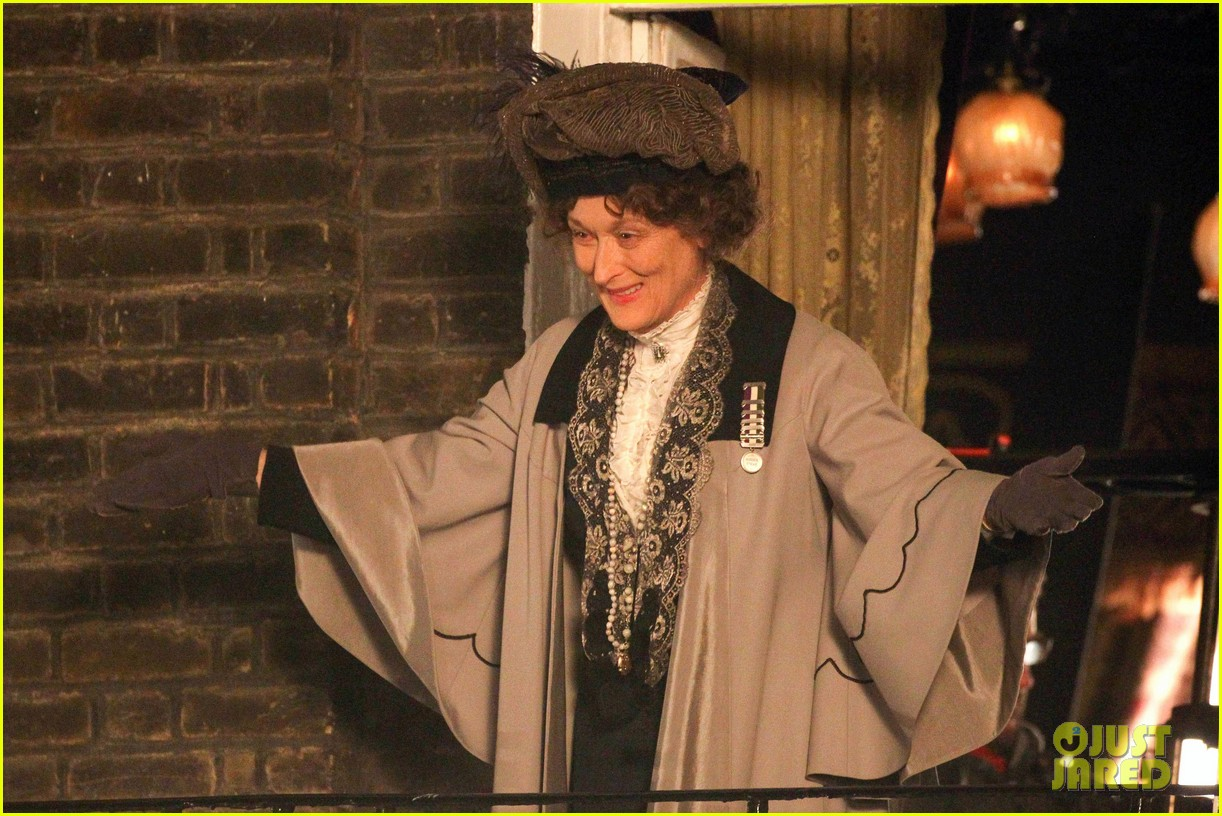 meryl streep first look on set at suffragette 22