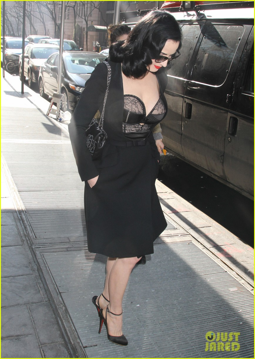 dita von teese stuns at her bloomingdales lingerie collection launch 063076021