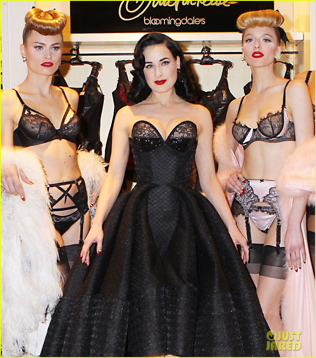 dita von teese stuns at her bloomingdales lingerie collection launch 07