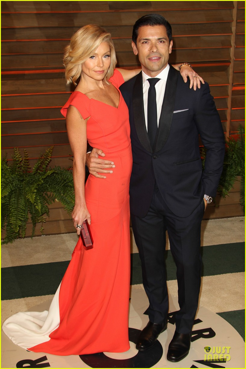chrissy teigen john legend vanity fair oscars party 2014 053065048