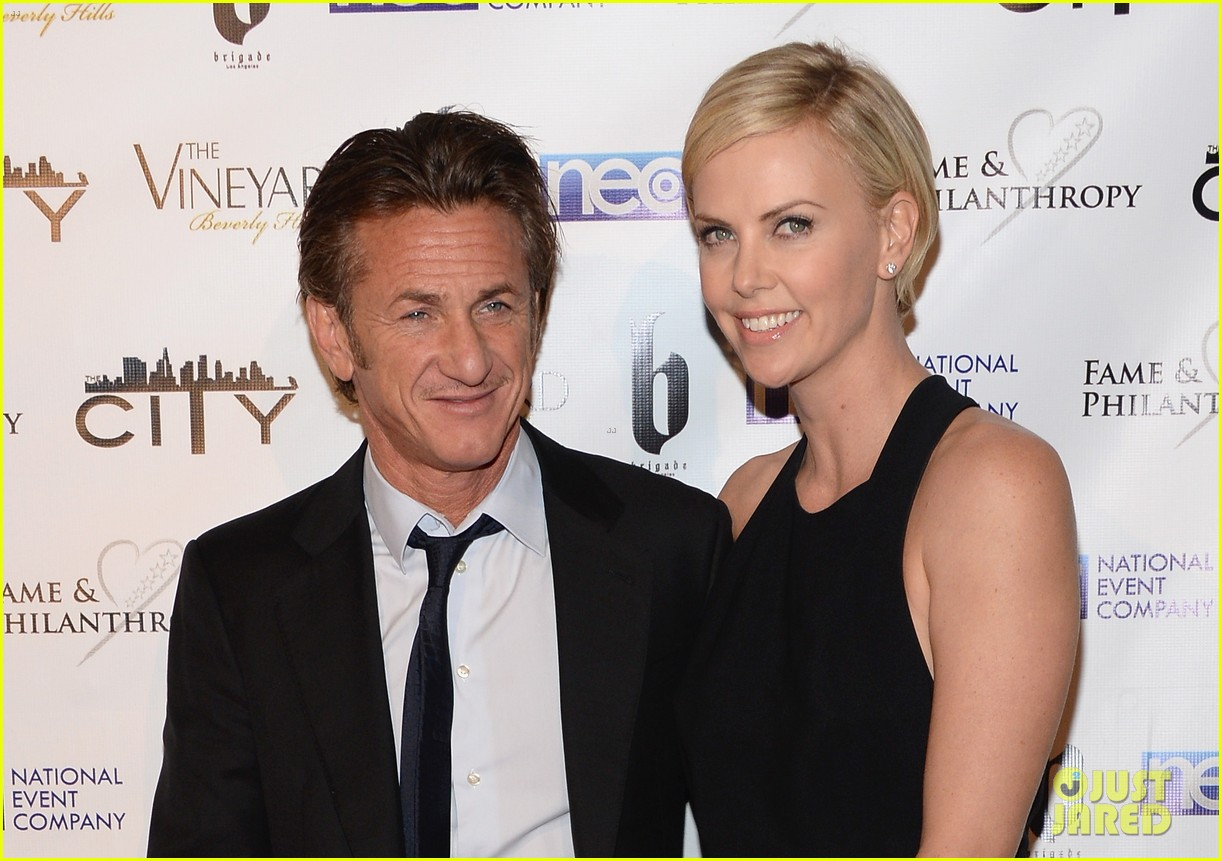 charlize theron sean penn walk first red carpet together at oscars 2014 party 103064649