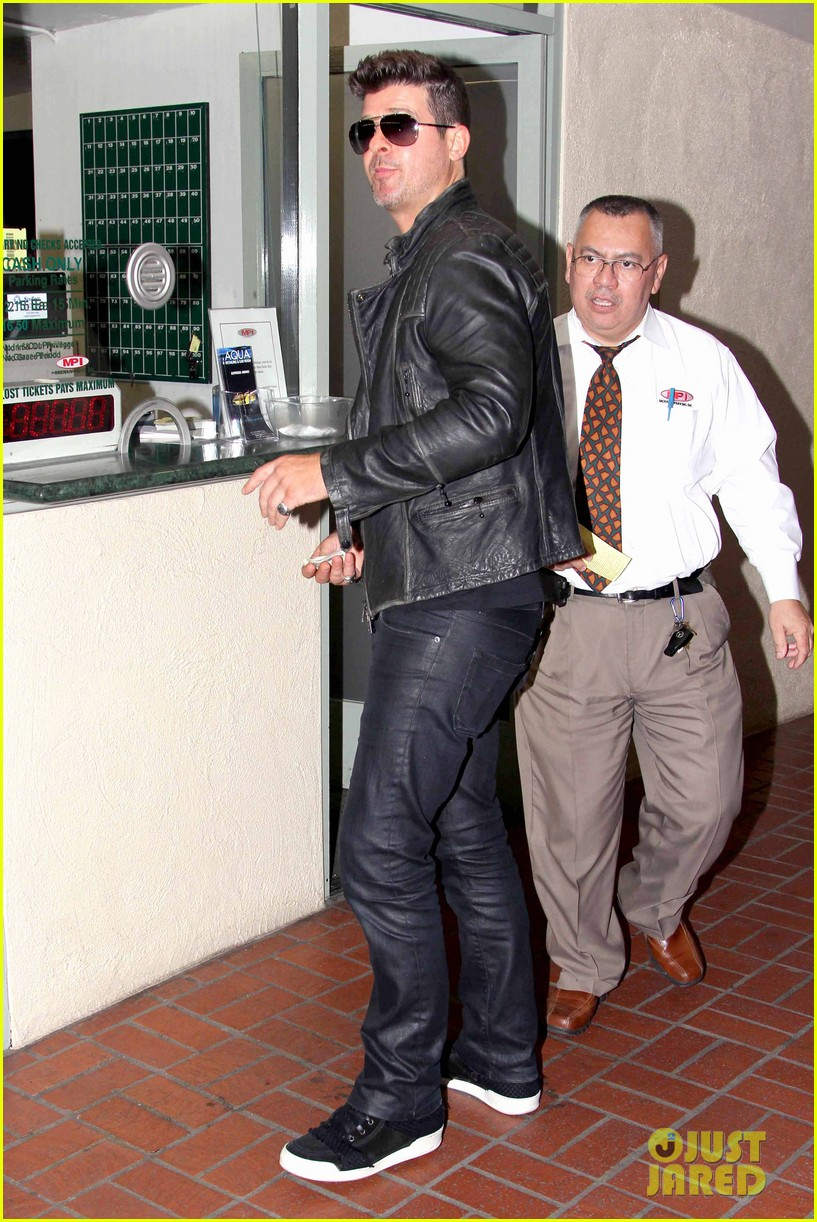 robin thicke partied with leonardo dicaprio for 37th birthday 10
