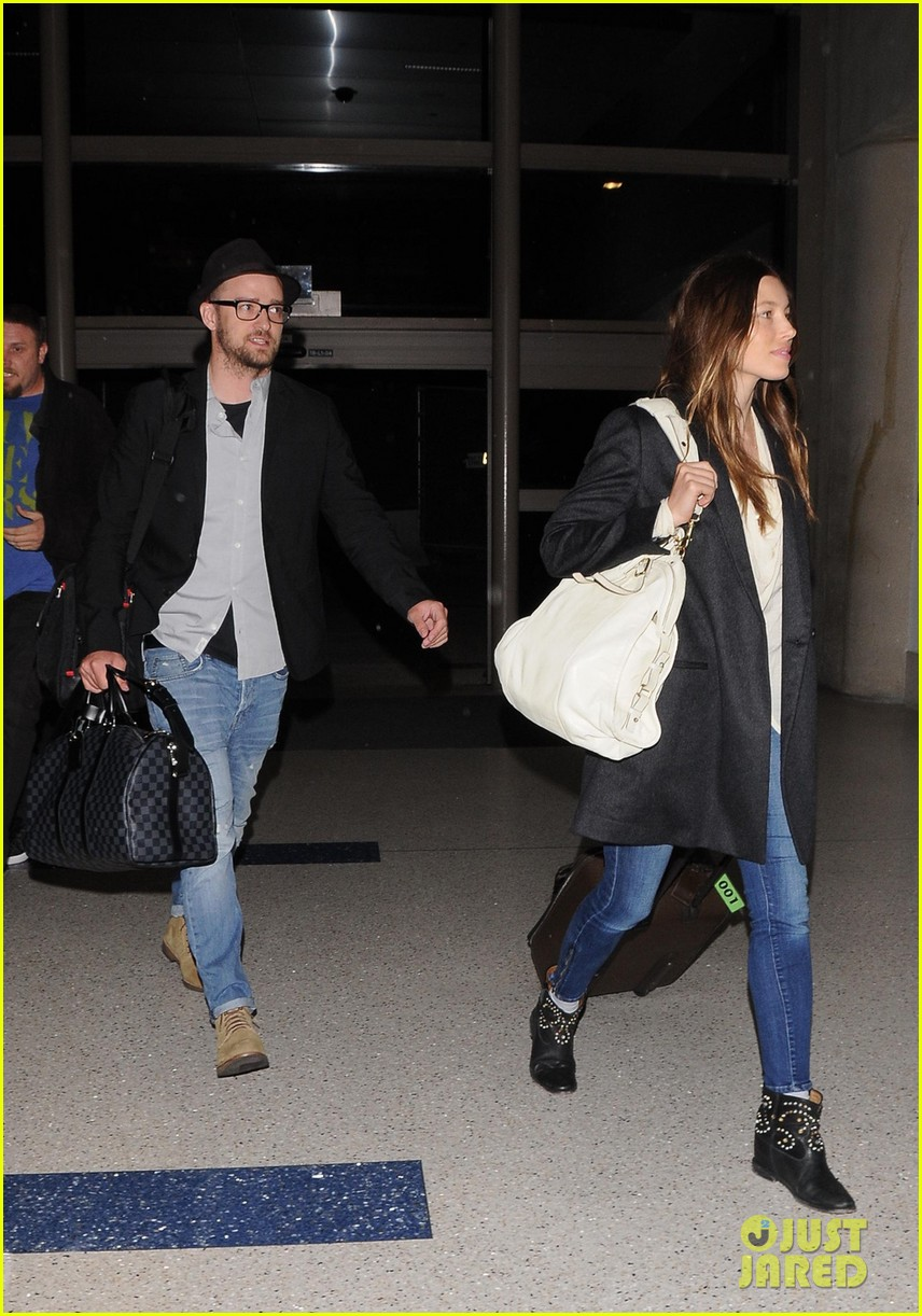 justin timberlake jessica biel home from barbados 03