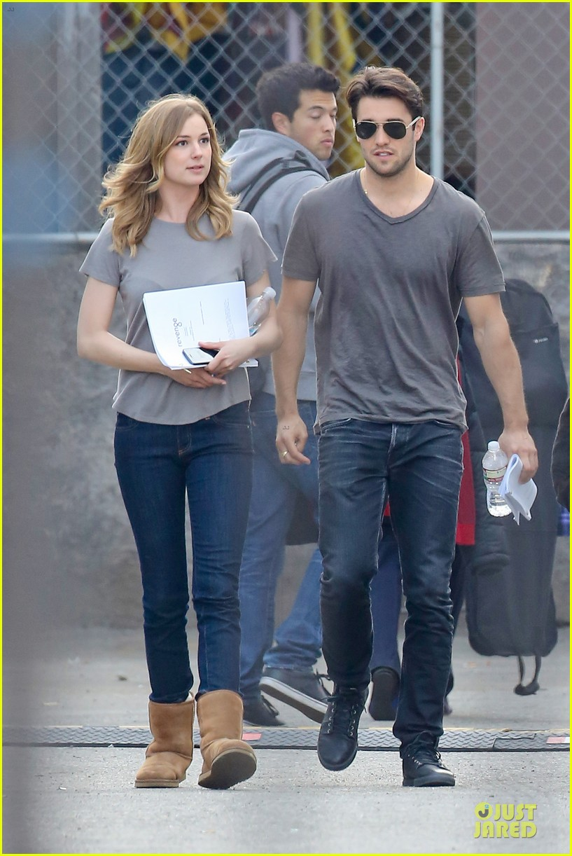emily vancamp josh bowman wrapped up 15