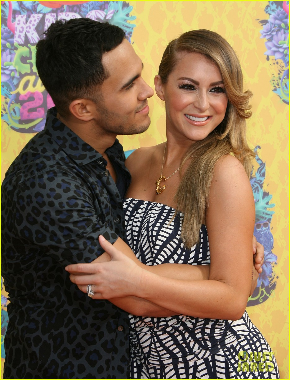 alexa carlos penavega kids choice awards 2014 073081383