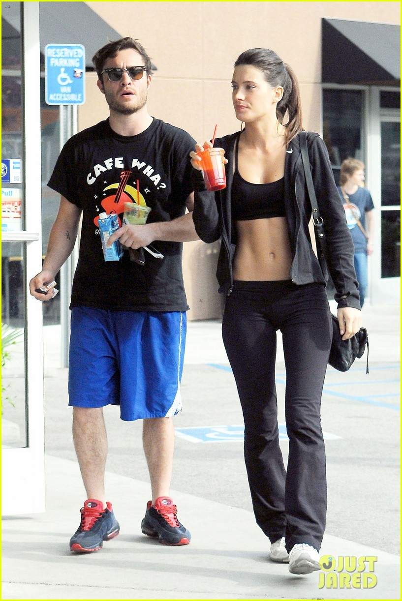 ed westwick hits the gym with mystery gal with hot body 11