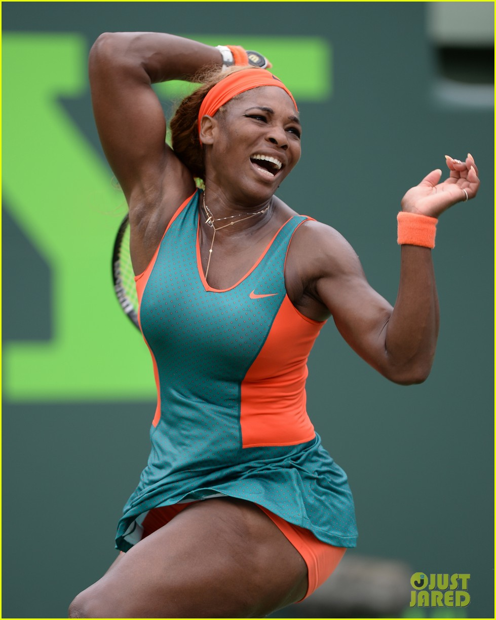 serena williams jacked physique helps her advance at sony open 013077087