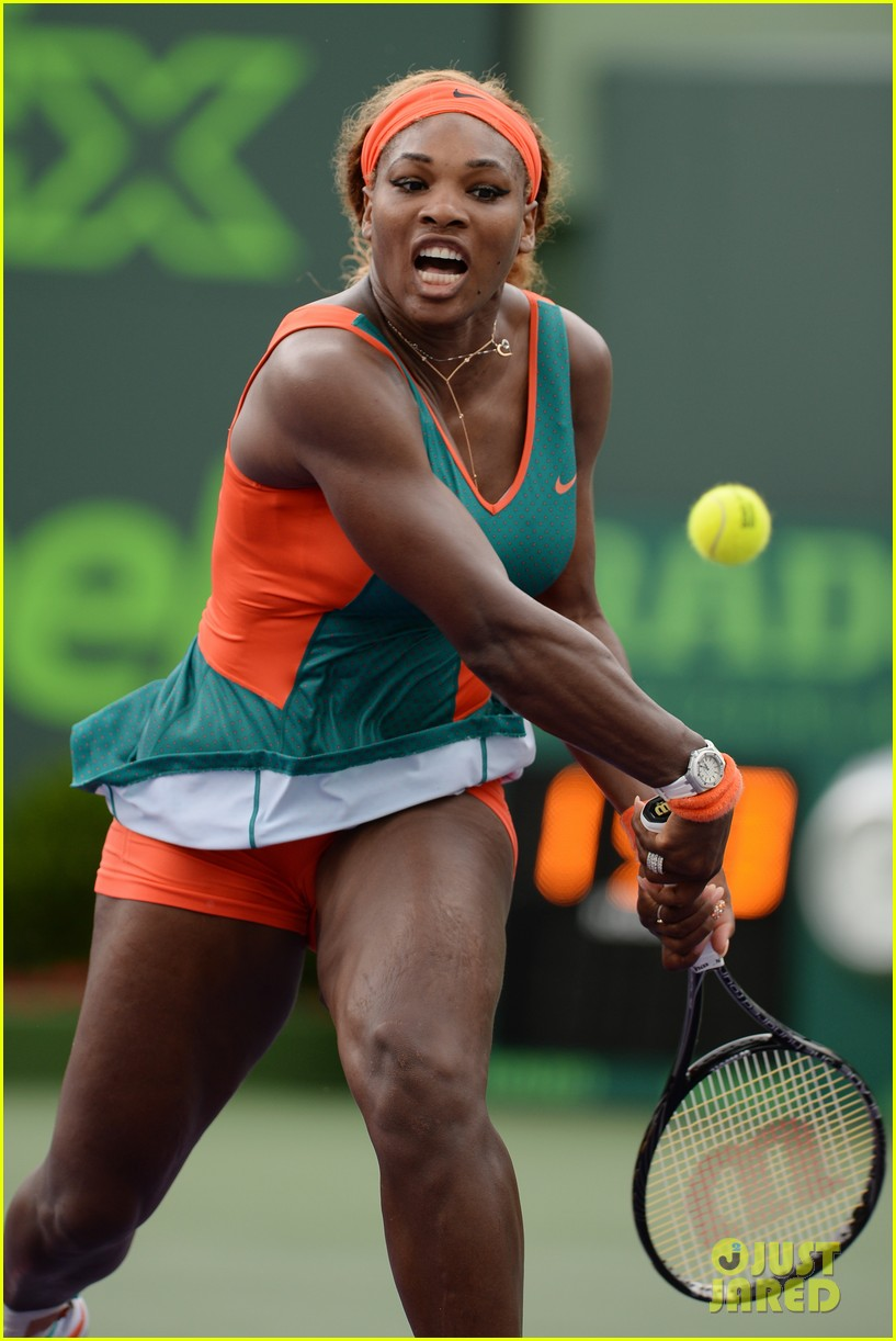 serena williams jacked physique helps her advance at sony open 11