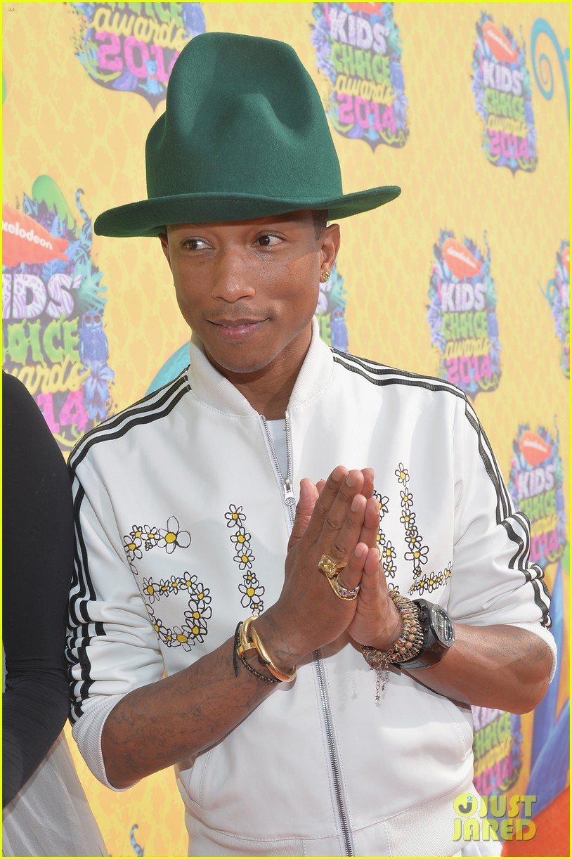 pharrell williams slimed kids choice awards 2014 083081293