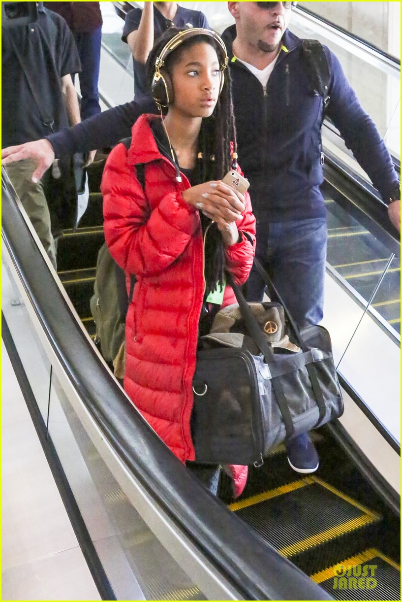 willow smith dreadlocks at lax airport 103072379