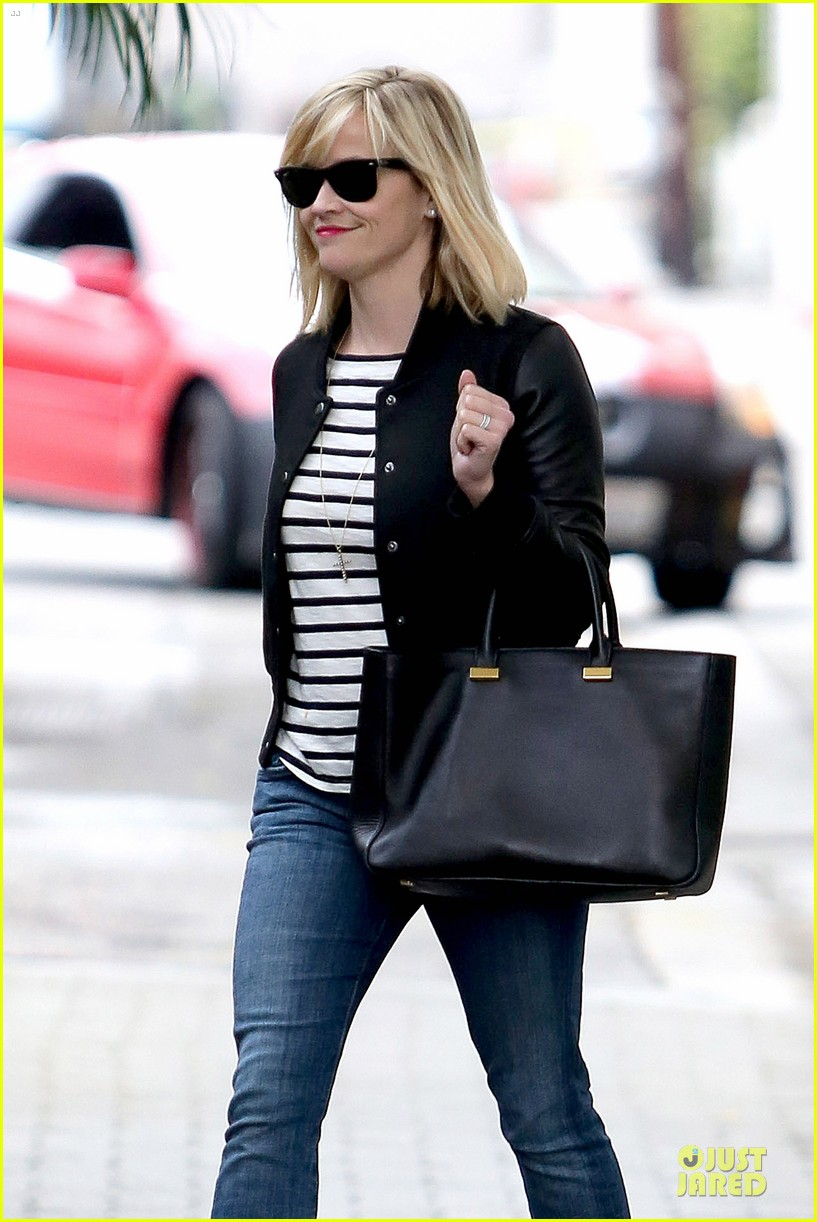 reese witherspoon bowling for 38th birthday 043078103