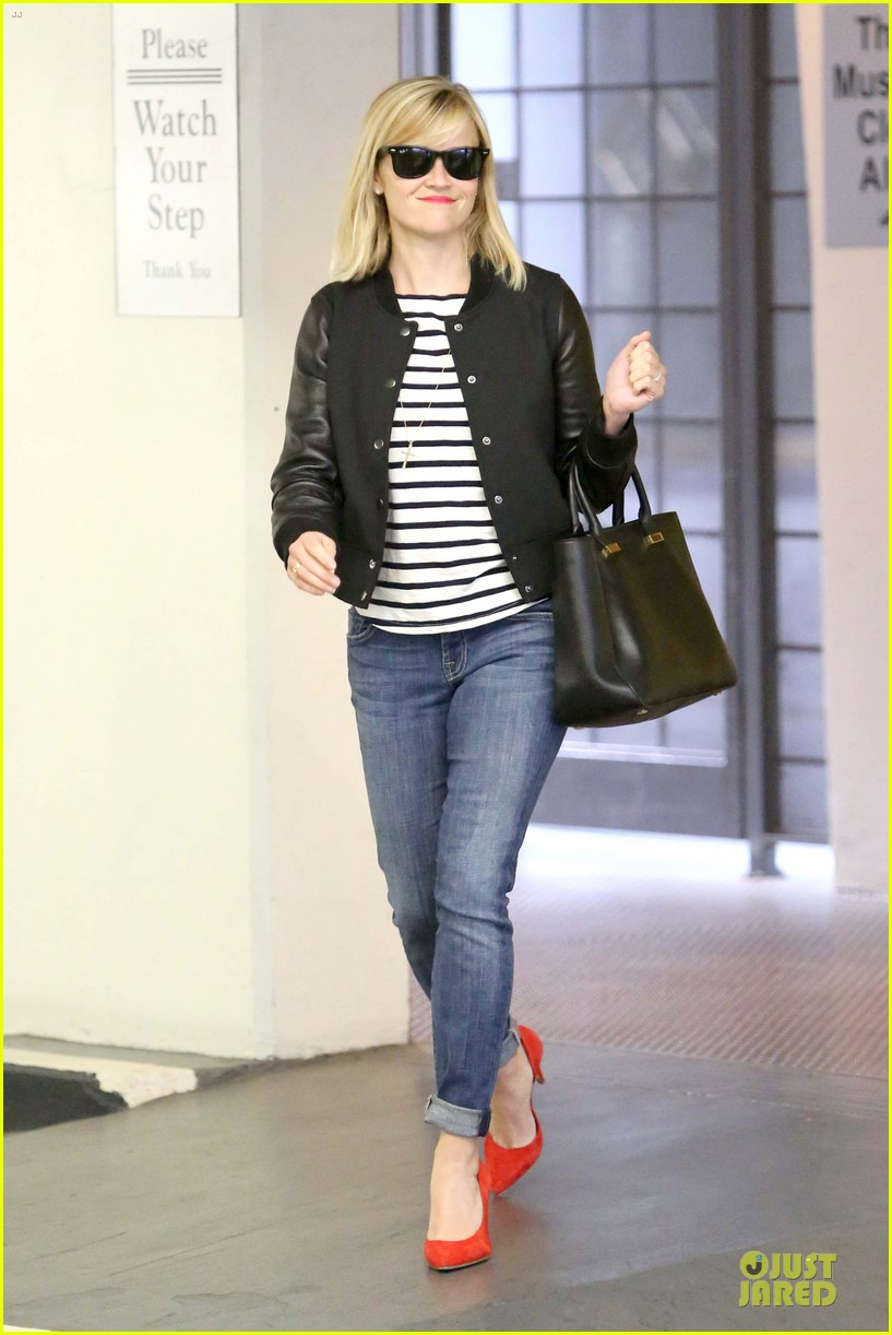 reese witherspoon bowling for 38th birthday 093078108