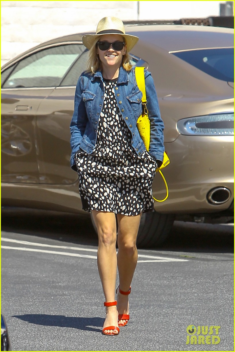 reese witherspoon starting lifestyle brand in 2015 063073921