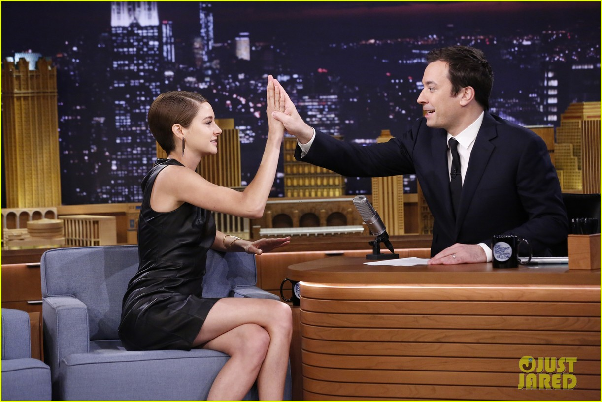 shailene woodley theo james diverge late night 083070853