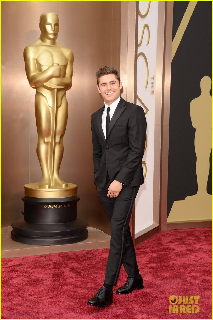 zac efron oscars 2014 red carpet 05