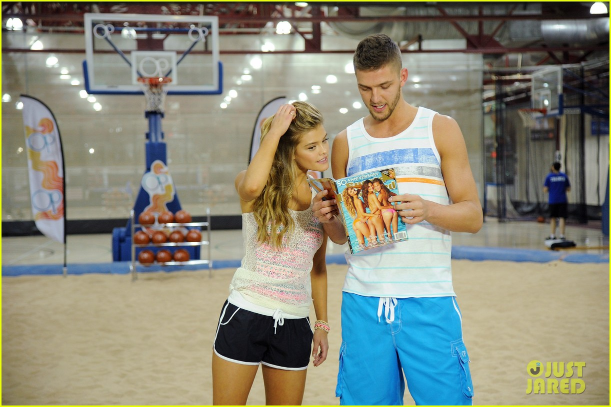 nina agdal shirtless hottie chandler parsons play basketball for ops spring kickoff 083082872