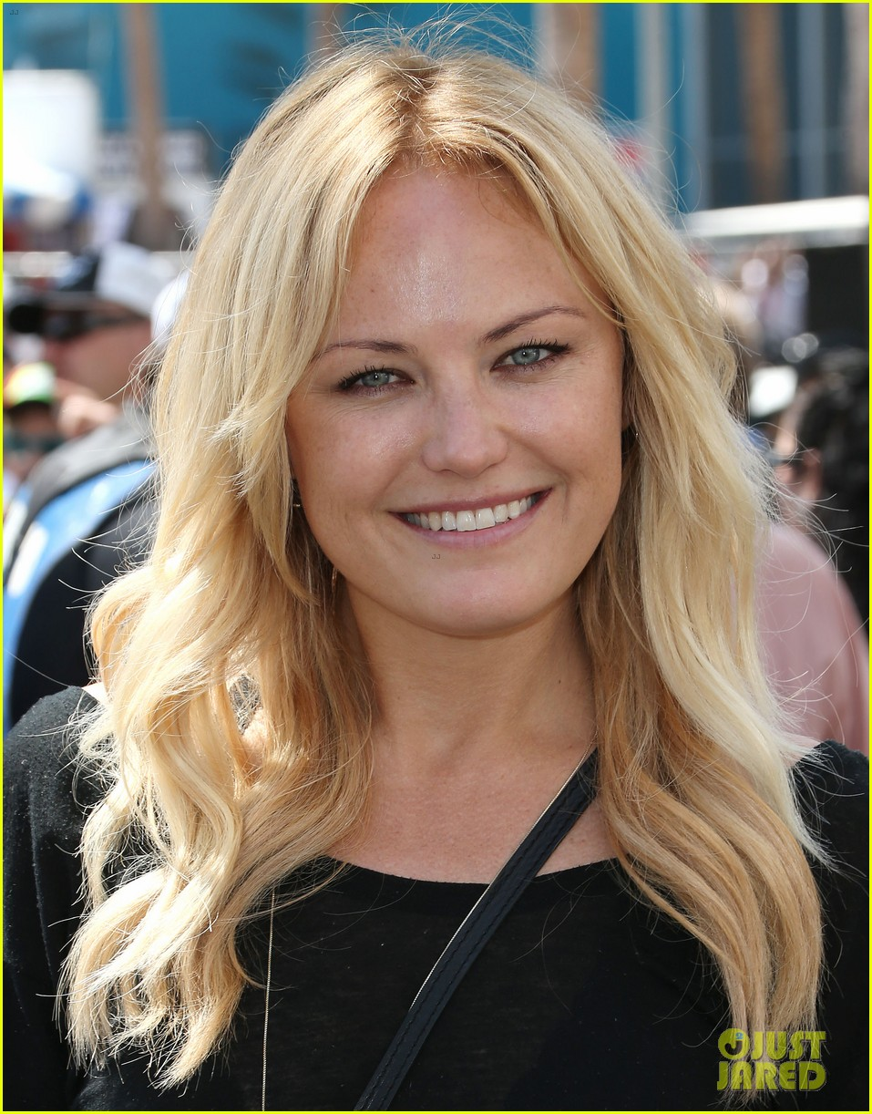 Malin Akerman Cheers on   Malin Akerman