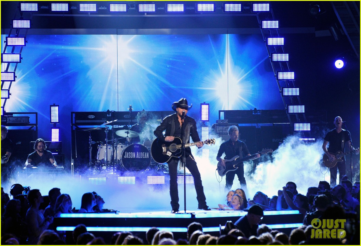 jason aldean performs acm awards 2014 male vocalist of the year 043085992