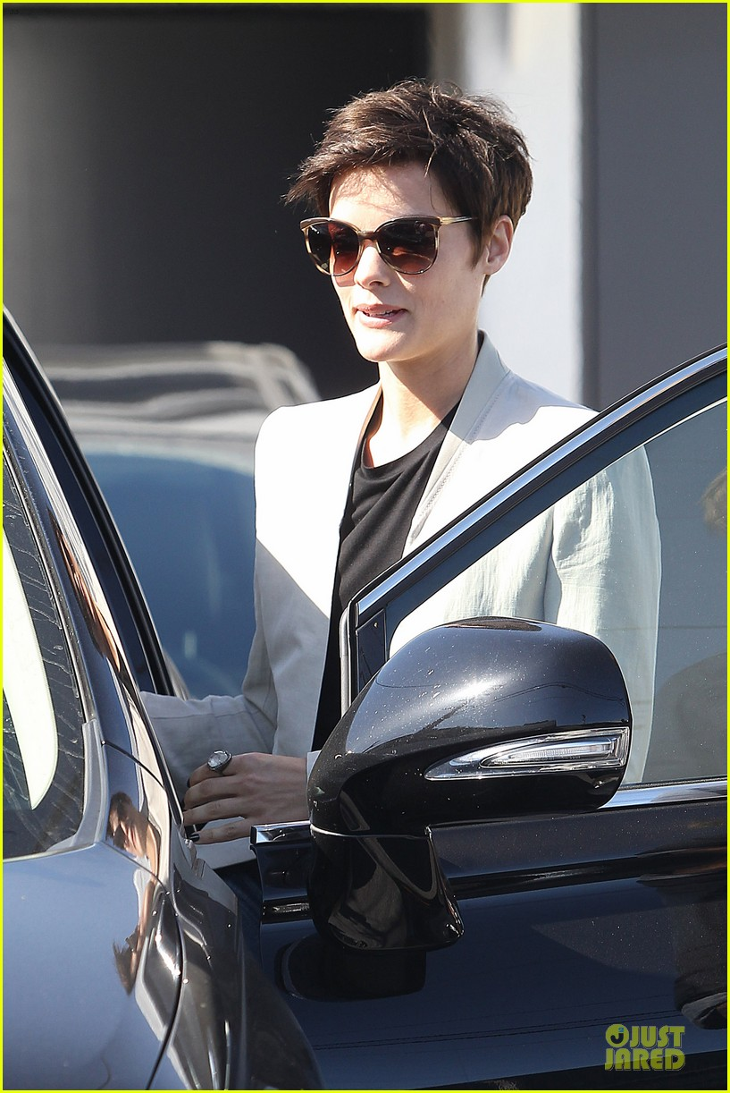 jaimie alexander goes back to brunette 11
