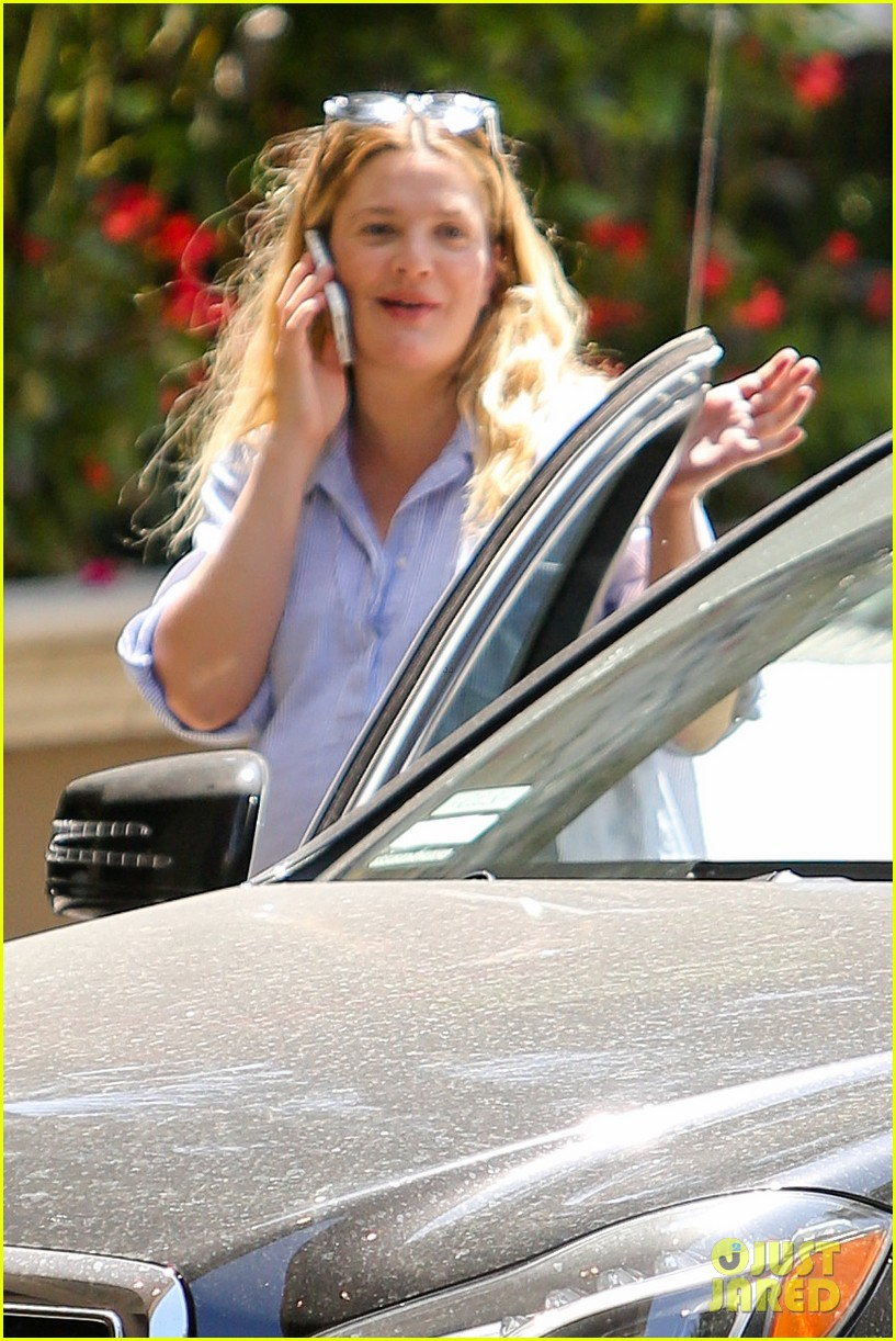 pregnant drew barrymore pop any day now 09